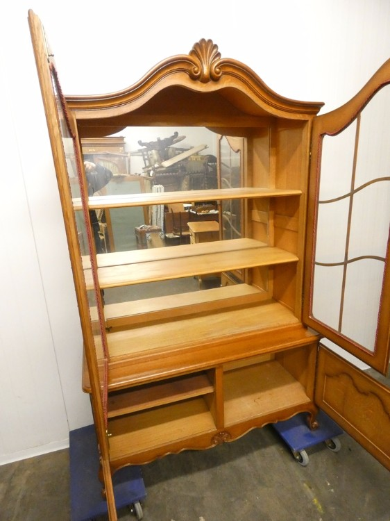A 7126 - vitrine Louis XV oak - 1 - 250 € - Furniture - Eurotroc
